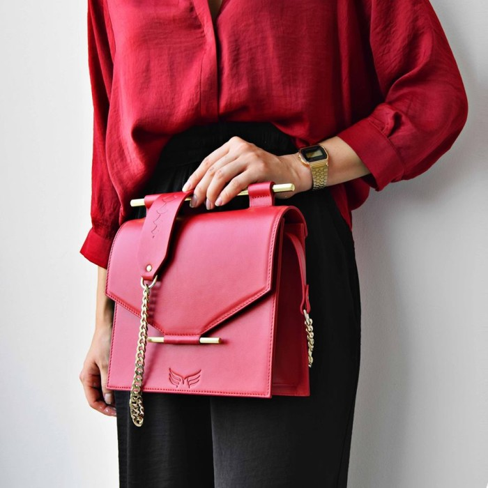 MAESTOSO RUBY RED SQUARE BAG