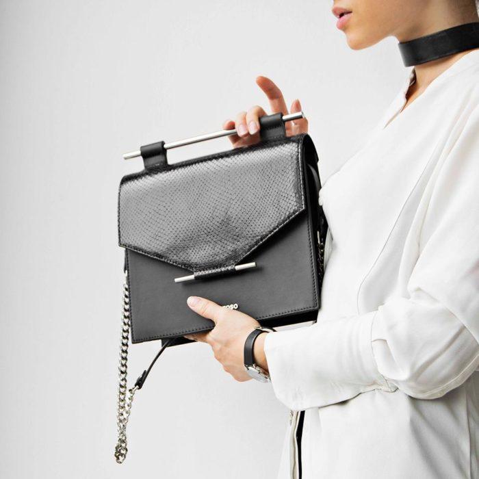 Geanta din piele Maestoso Black Snake Square Bag