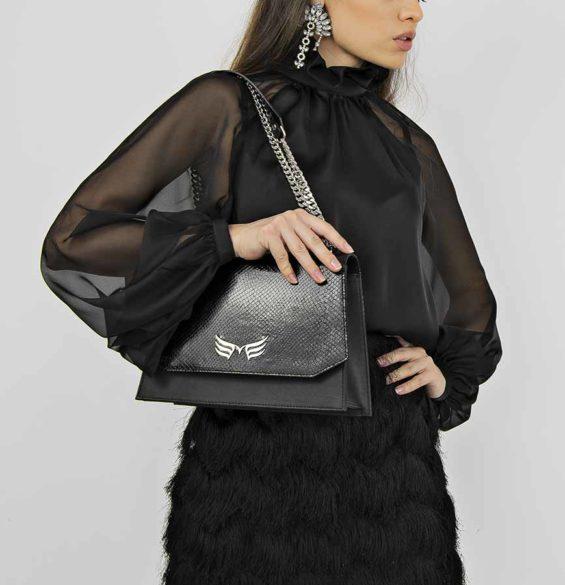 Geanta din piele naturala Black Snake Skylark Bag